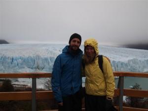 Con el famoso Perito Moreno al fondo