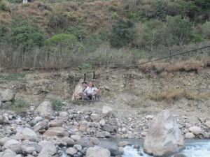 Cruzando el río