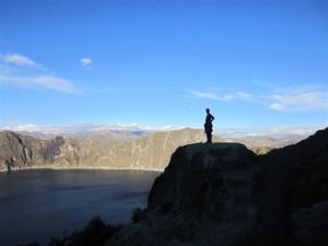 Lago Quilotoa al fondo