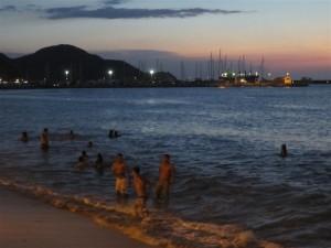 Playa de Santa Marta por la noche