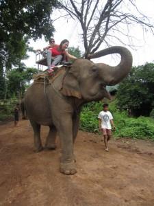 Dos manchegas en elefante
