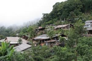 Pueblo Hmong en la montaña